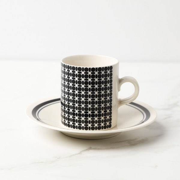 black pattren tea cup